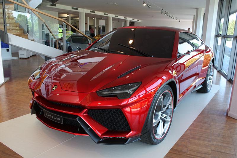 Lamborghini-Urus-Museum.jpg