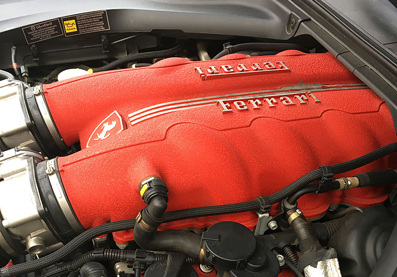 Ferrari-California-moteur.jpg