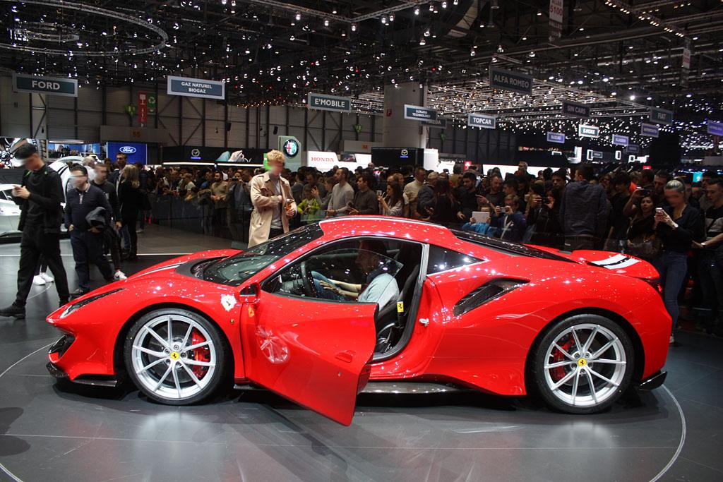 Ferrari-488-Pista-Rosso-Side.jpg