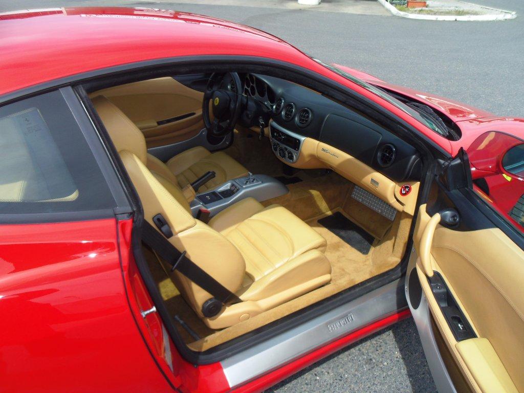 Modena F360 intérieur  droit 5.JPG