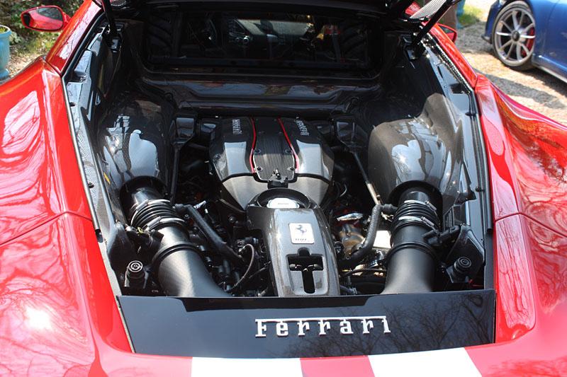 Ferrari-488-Pista-Moteur-Motor-Engine.jpg