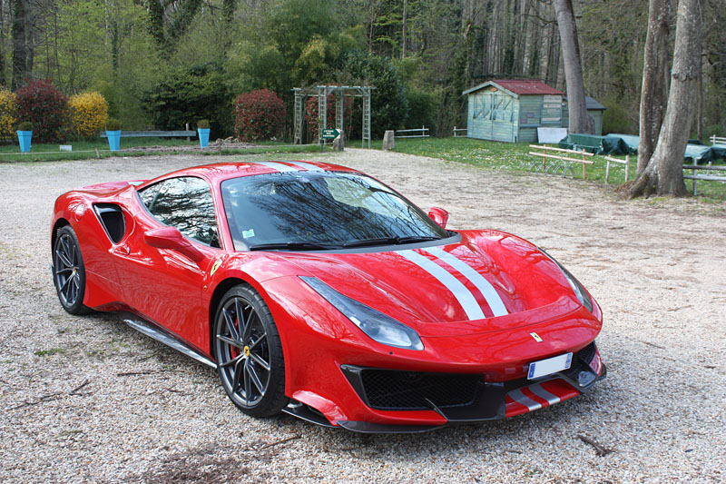 Ferrari-488-Pista-Side-Cote-Red.jpg