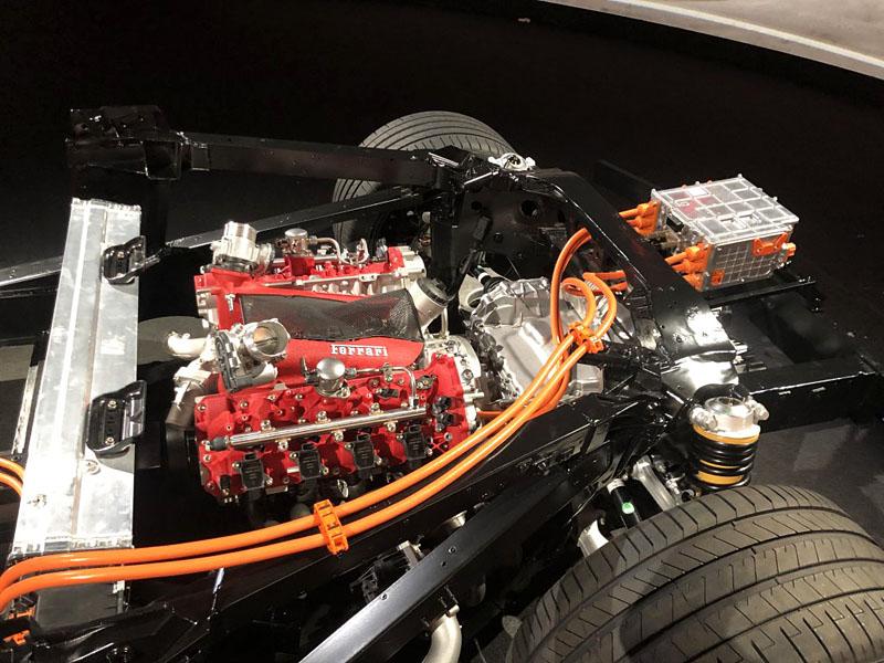 Ferrari-SF90-Motor-chassis.jpg