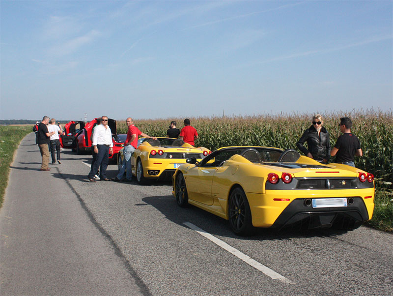 Ferrari-16M-Giallo.jpg
