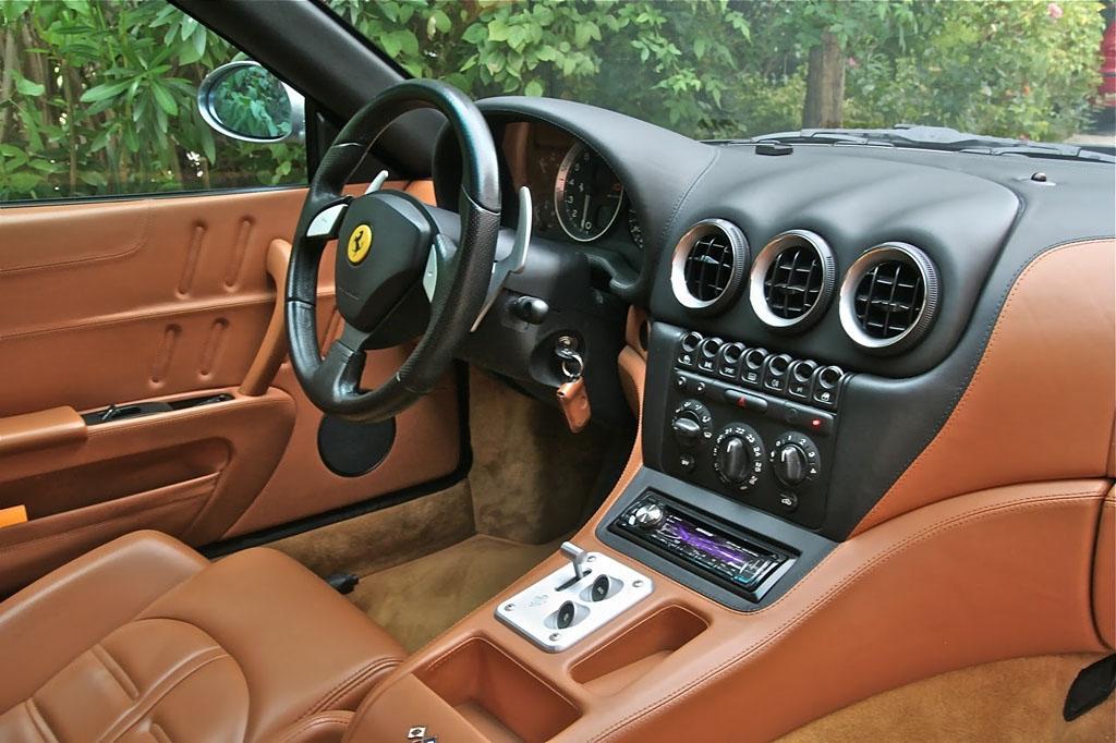 Ferrari-575-Intérieur.jpg