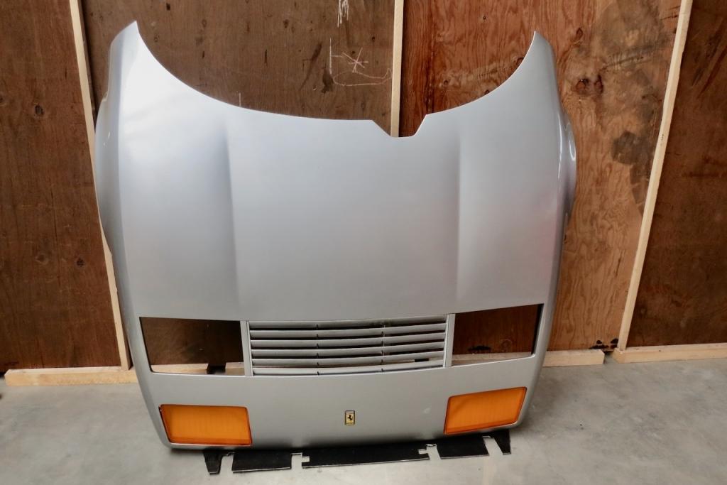 Ferrari_512_BBi_Front_Bonnet_60852700_16.jpeg
